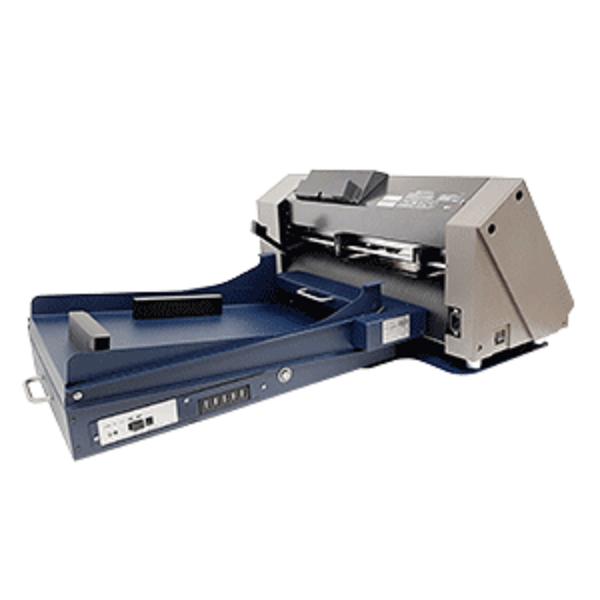 С тази машина могат да се щанцоват: листове с лепящ слой; картони; ситопечатни отпечатъци и други рекламни материали.